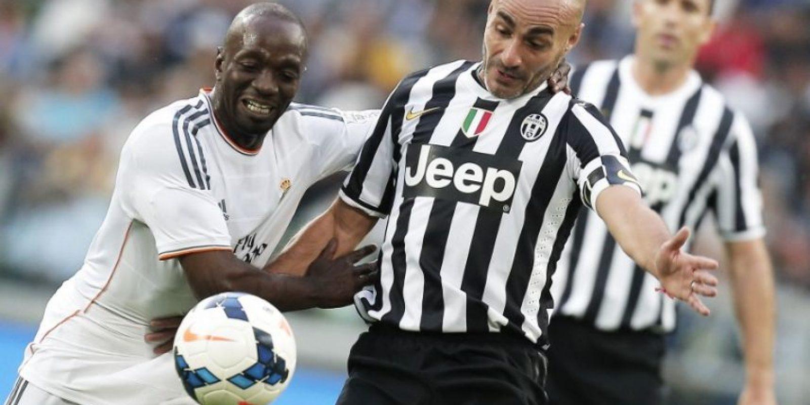 El uruguayo Paolo Montero con la camiseta de la Juventus, en un partido de veteranos contra el Real Madrid. Foto:AFP