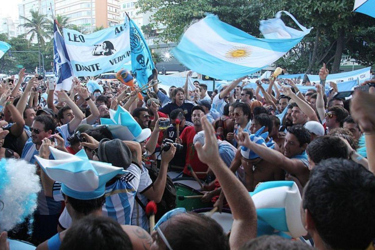 En diciembre de 2015, dos aficionados argentios fueron detenidos en Japón. Foto:Wikipedia.org