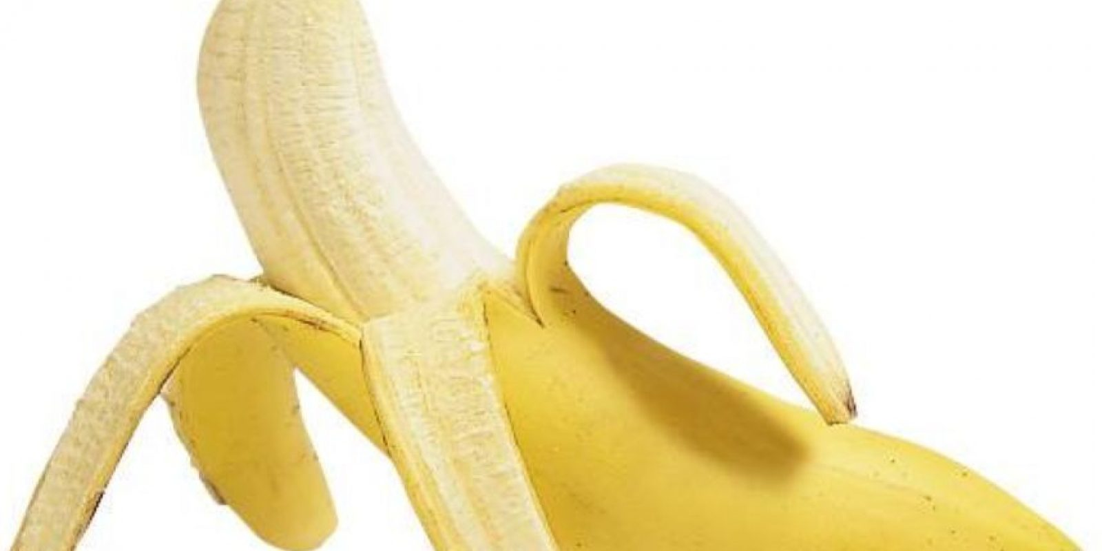 Comerse un plátano: no partan la cáscara en tres. En dos sale más rápido. Foto:vía Getty Images