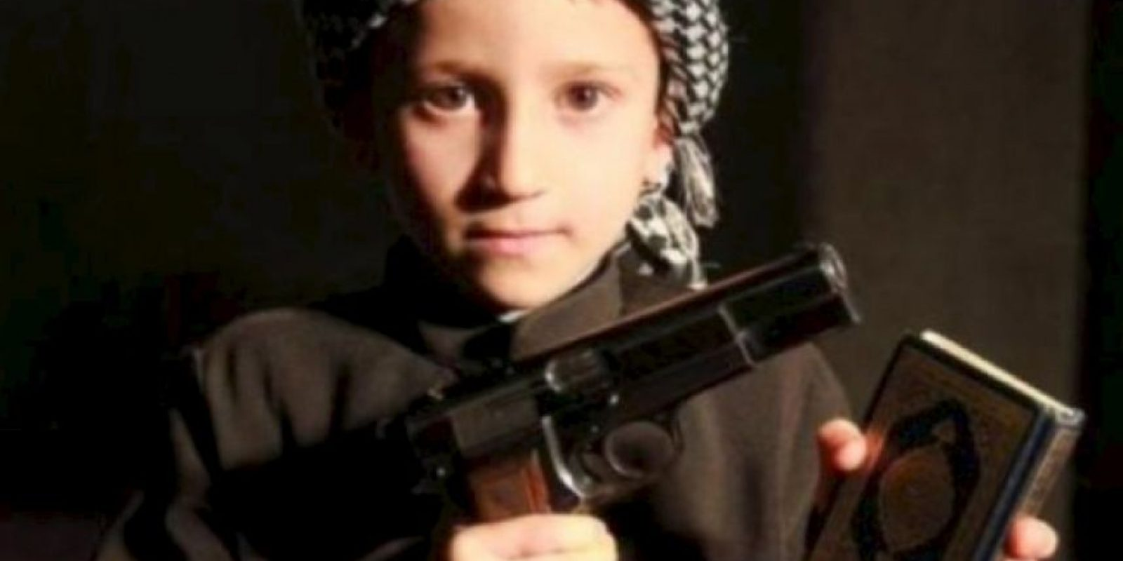 Las atrocidades que EI comete con los niños Foto: Twitter.com – Archivo