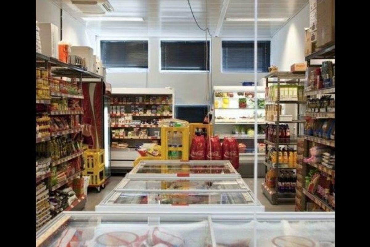 Hay una tienda propia. Foto:facebook.com/pages/Halden-Prison