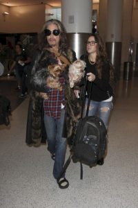 Steven con su novia Aimee Foto:Grosby Group