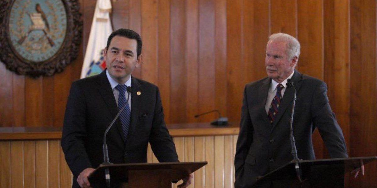 Jimmy Morales se reunió en privado con alcalde Álvaro Arzú y de esto hablaron