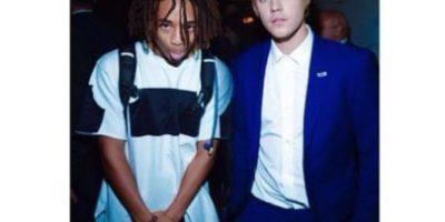 Justin Bieber sorprende a sus fans usando falda en su show