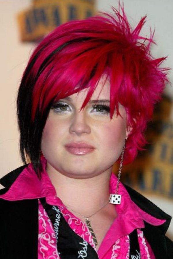 Kelly en esas épocas trataba de ser rockera. No le funcionó. Foto:vía Getty Images