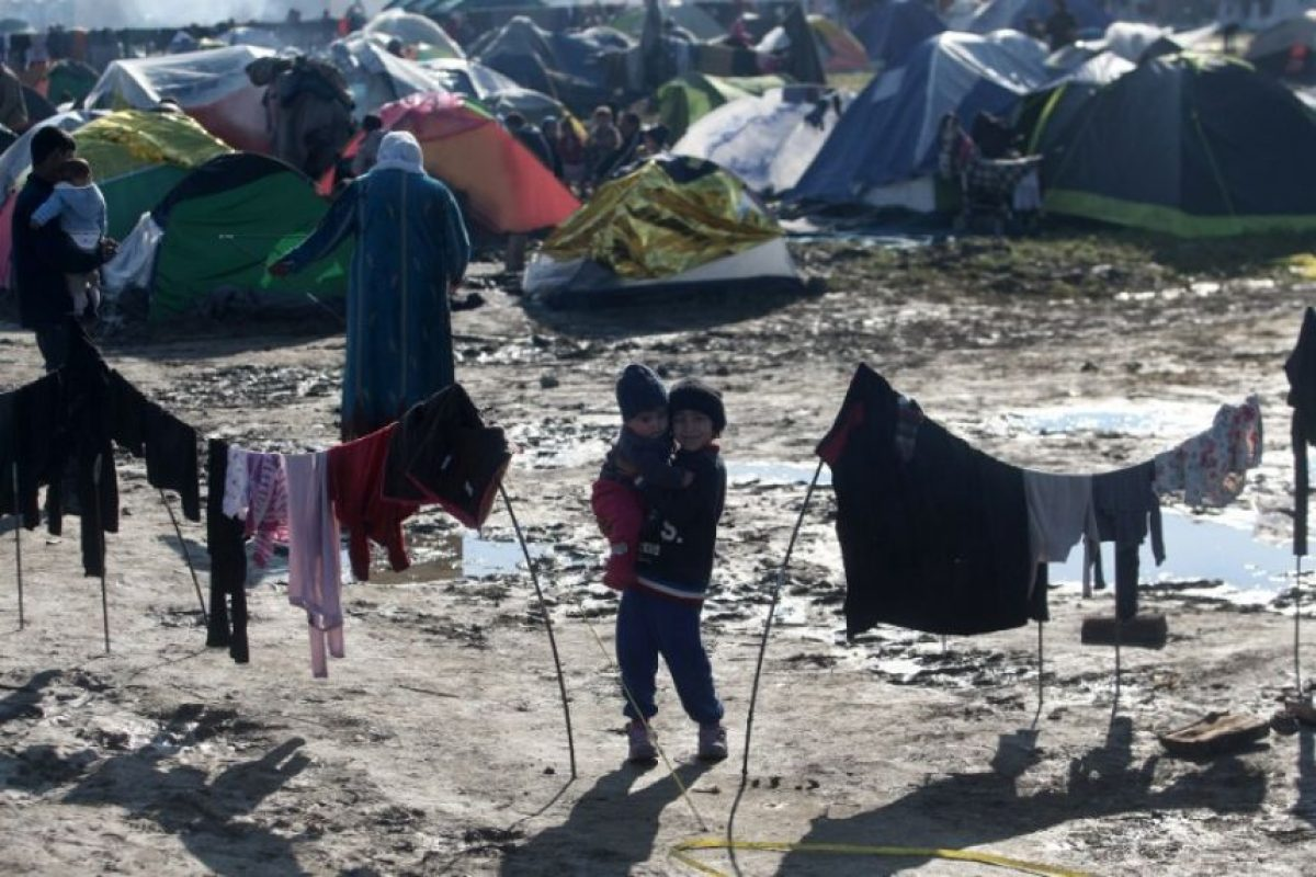 OIM señala que el tráfico de migrantes y refugiados a través de aguas italianas ya no comprende el flujo principal. Foto:AFP