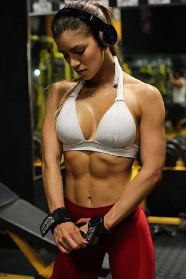Según Hannibal Reyes, cuatro repeticiones de estos ejercicios de un minuto les darán un buen resultado Foto:Vía instagram.com/anllela_sabra