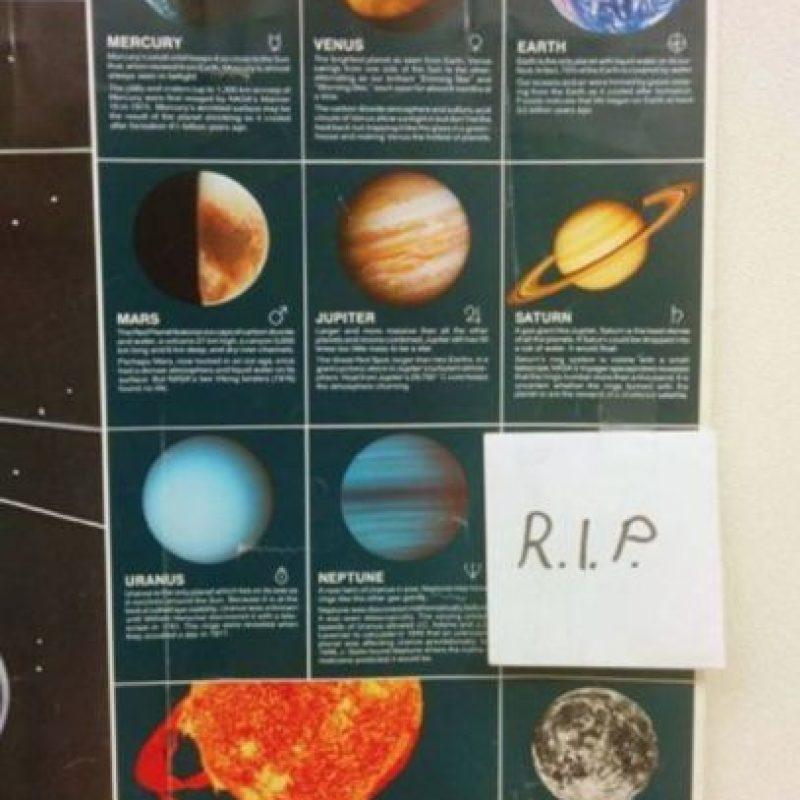 Para recordar que Plutón ya no existe… Foto:Imgur