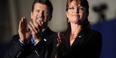 Todd Palin, esposo de Sarah Palin, sufre accidente con máquina de nieve