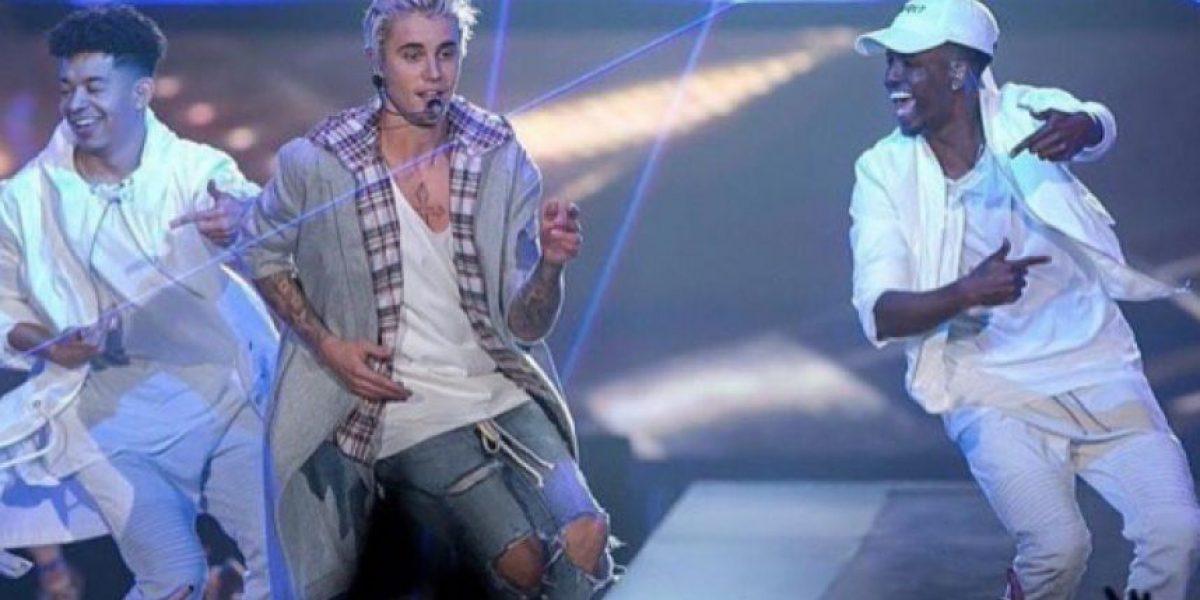 """Justin Bieber revela su nueva canción """"Insecurities"""" durante un concierto"""