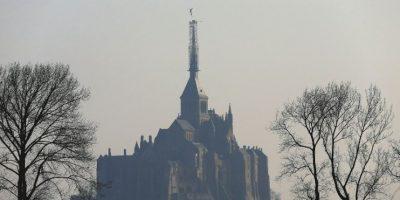 Fotos: Retiran arcángel del Monte Saint-Michel, en Francia