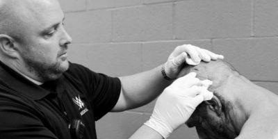 Triple H tuvo que recibir seis puntadas Foto:WWE