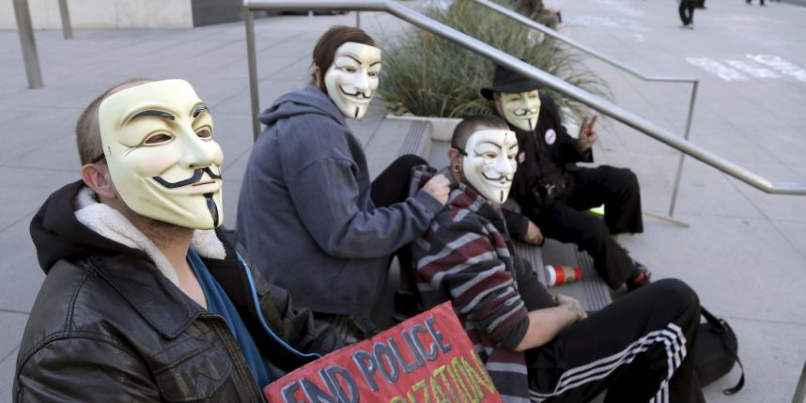 Anonymous se manifiesta en acciones de protesta a favor de la libertad de expresión y la independencia de Internet . Foto:AP