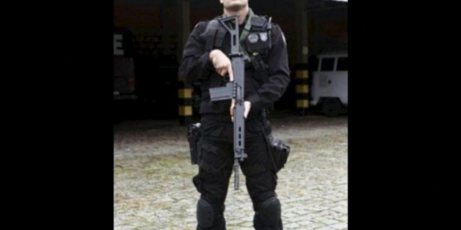Es un apuesto teniente del Batallón de Operaciones Especiales en Brasil. Foto: Instagram/LuciusCarvalho