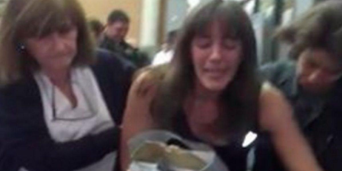 Video: Mujer llora al ver su recibo de la luz en Argentina