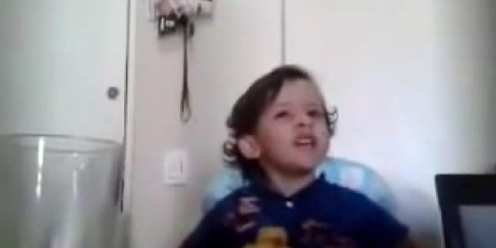 Ambos pequeños se preocupaban por lo que sentían los animales Foto:Vía YouTube