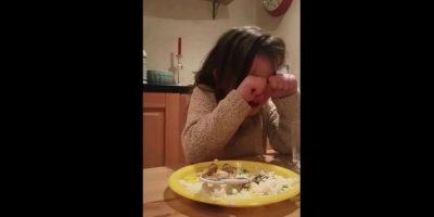 Esta niña irlandesa de 5 años lloró por que no quería comer animales.