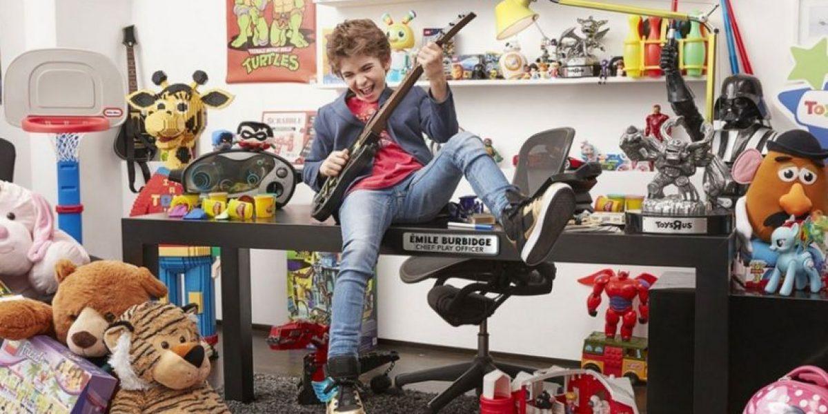 Emile Burbidge, niño de 12 años presidente ejecutivo de Toys R Us en Canadá