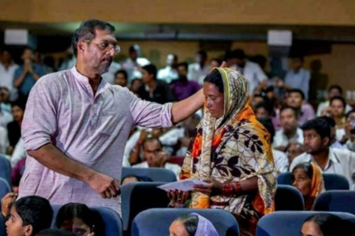 Ha buscado la manera de ayudar a las mujeres y familias necesitadas de la India Foto:facebook.com/pages/Nana-Patekar