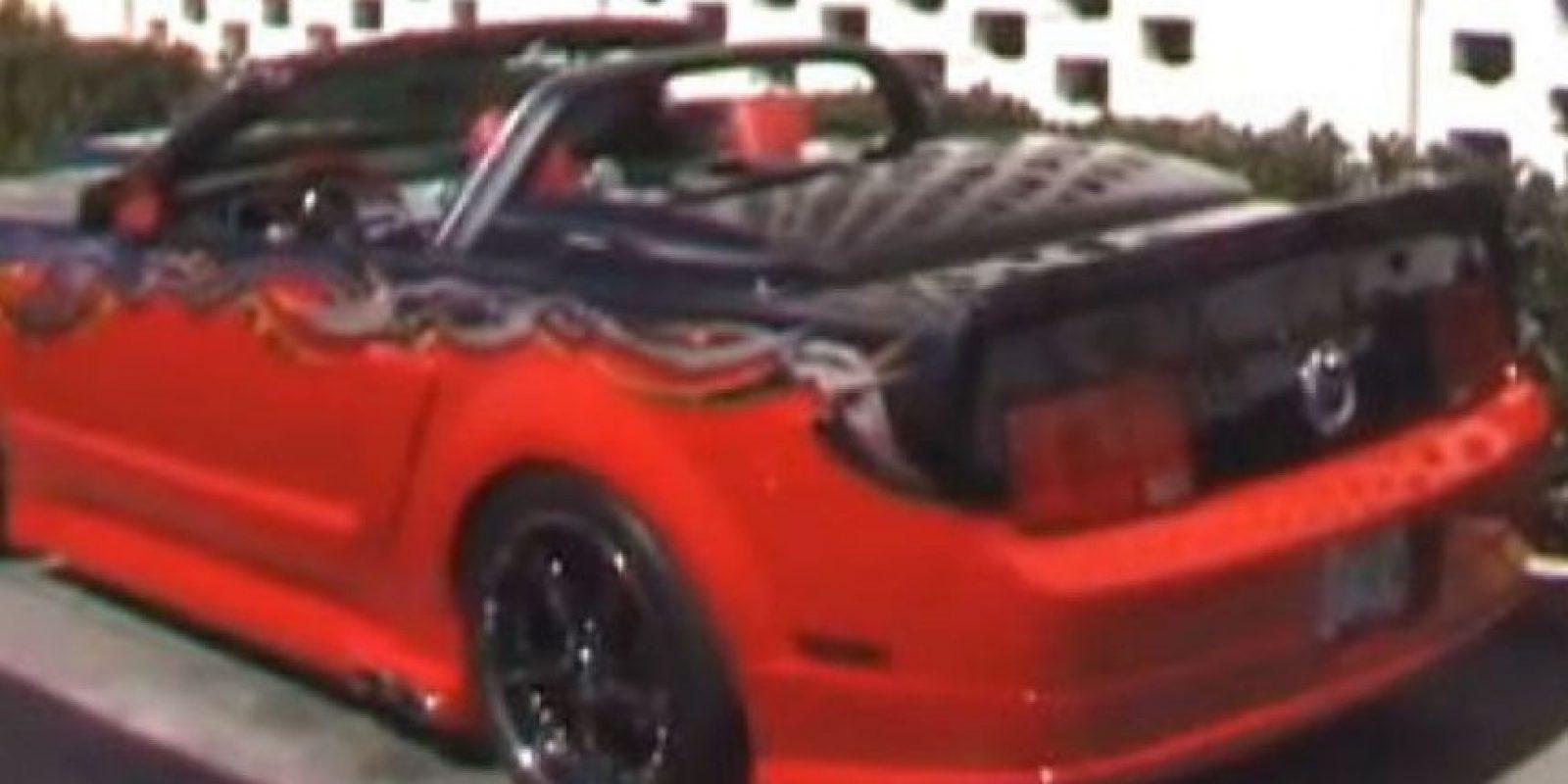 """El actor de la saga de películas """"Rocky"""" tiene un Ford Mustang GT convertible. Foto:Twitter"""