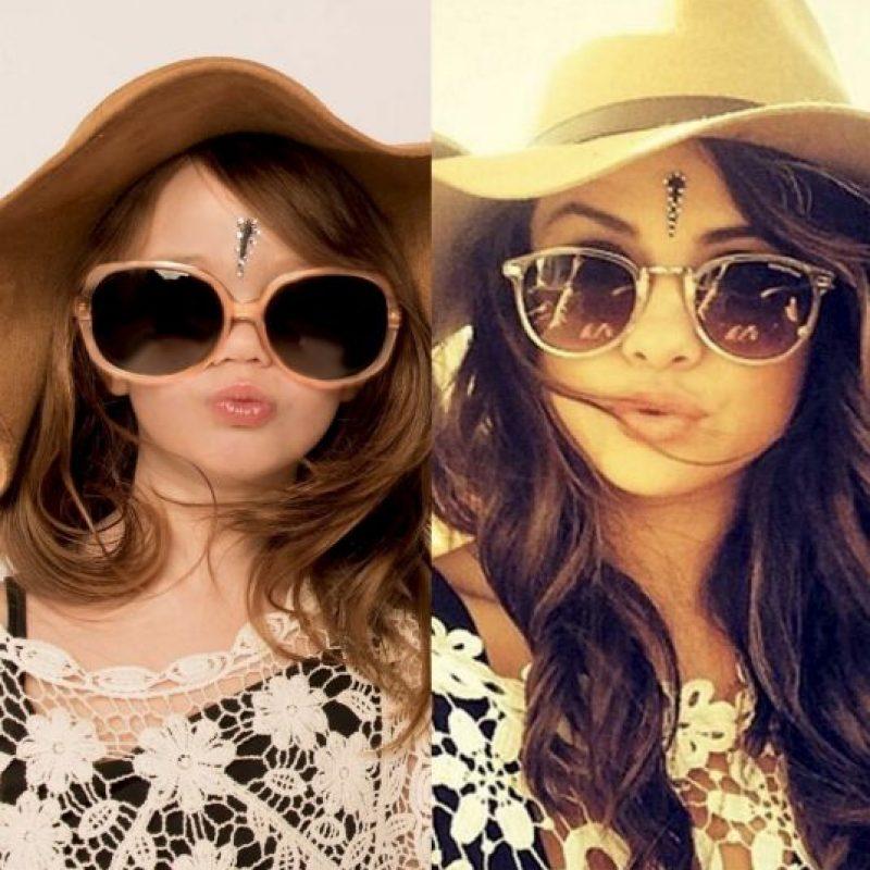 y disfruta al imitar cada foto que Selena comparte en Instagram Foto:vía facebook.com/ellee.approved