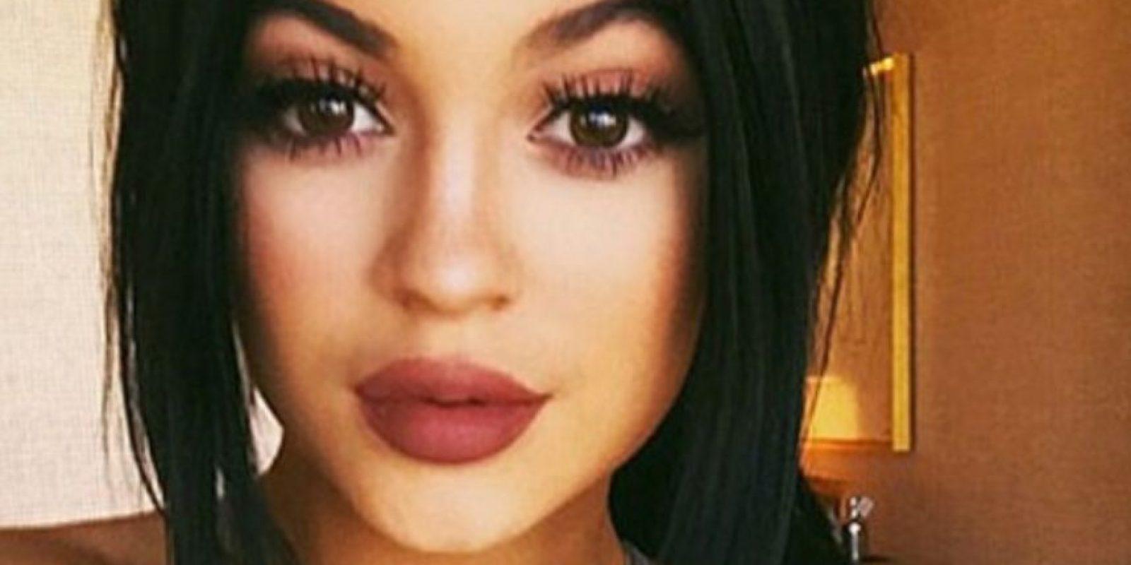 Kylie Jenner hoy trae el look. Foto:vía Getty Images