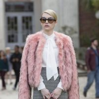 Emma Roberts en fur. Foto: vía Getty Images
