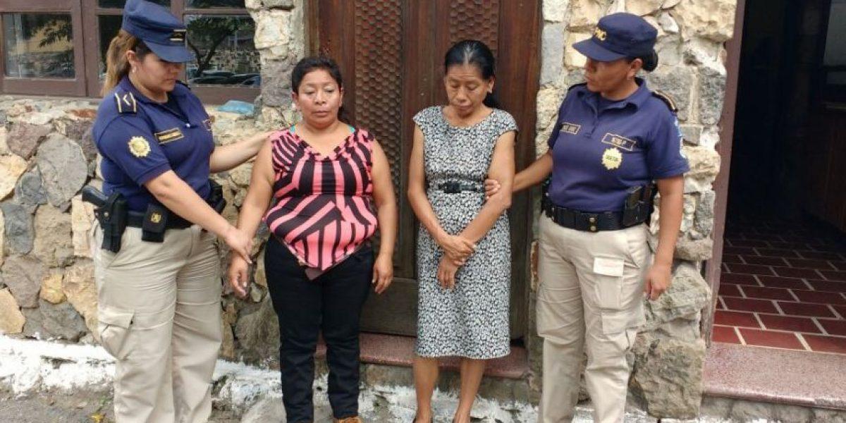 Estas mujeres viajan a La Antigua Guatemala pero a robar a los turistas