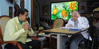 En las imágenes, se puede ver al líder de la revolución cubana en silla de ruedas Foto:Granma.cu / Juventud Rebelde