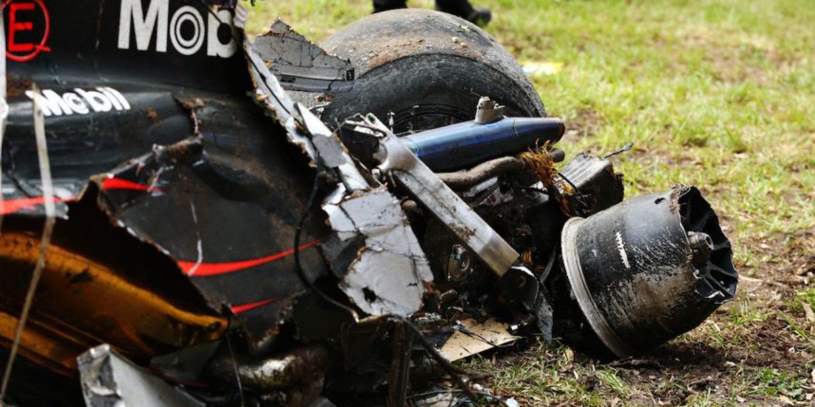 Así quedó el monoplaza de McLaren que pilotaba Fernando Alonso Foto:Getty Images