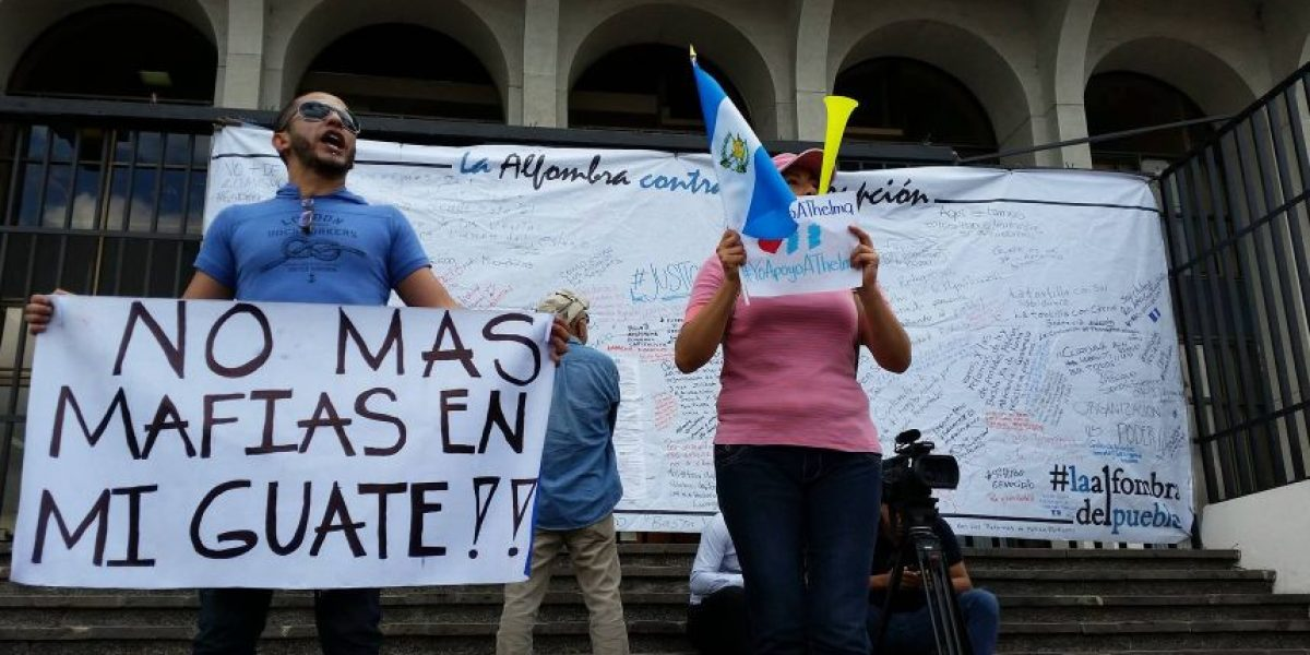 Así es como los guatemaltecos apoyan a Thelma Aldana frente a la CSJ