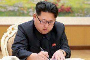 Kim Jong-un, ordenó a los trabajadores que inicien su jornada laboral a las 5 AM, esto por una ola de calor que azotó al país en julio. Foto:AFP