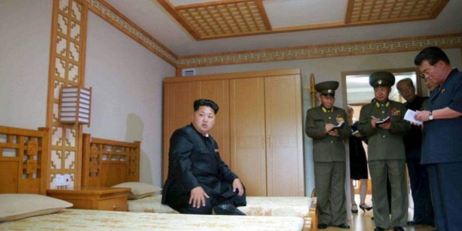 Las temperaturas en Pyongyang van en promedio desde los 29ºC (84ªF) hasta los 40ªC (104ªF). La humedad incrementa al 80%, lo cual incrementa la sensación de calor. Foto:AFP