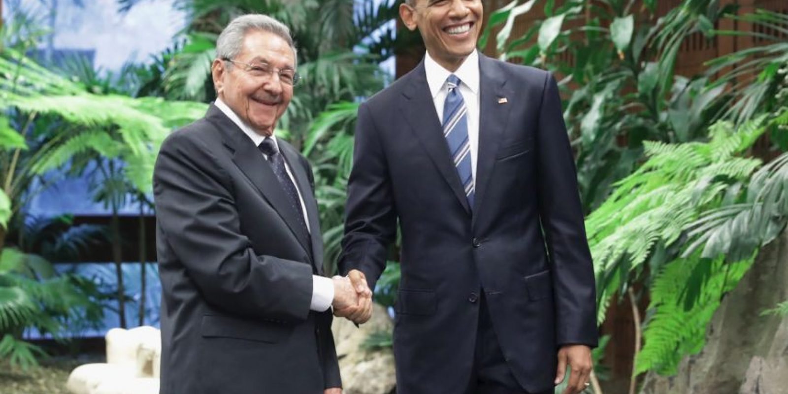 Poco después se reunió con el presidente cubano Raúl Castro. Foto:Getty Images