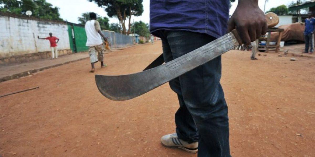 Matan a machetazos a una anciana acusada de brujería en Indonesia