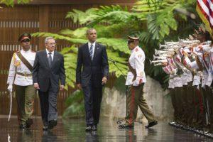 El histórico encuentro entre Castro y Obama Foto:AP