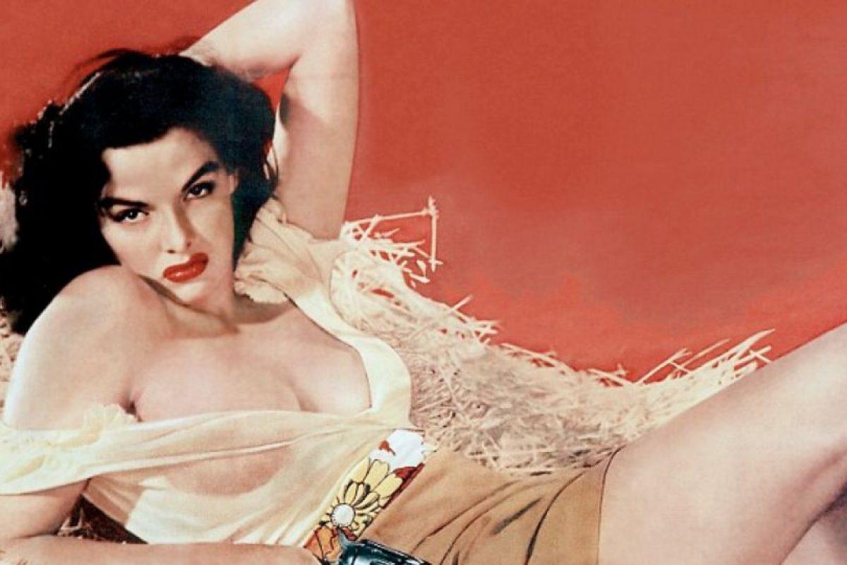 """Jane Russell se hizo famosa en la polémica película de Howard Hughes (sí, """"El Aviador""""), llamada """"Los Ángeles del Infierno"""". Foto:vía Getty Images"""