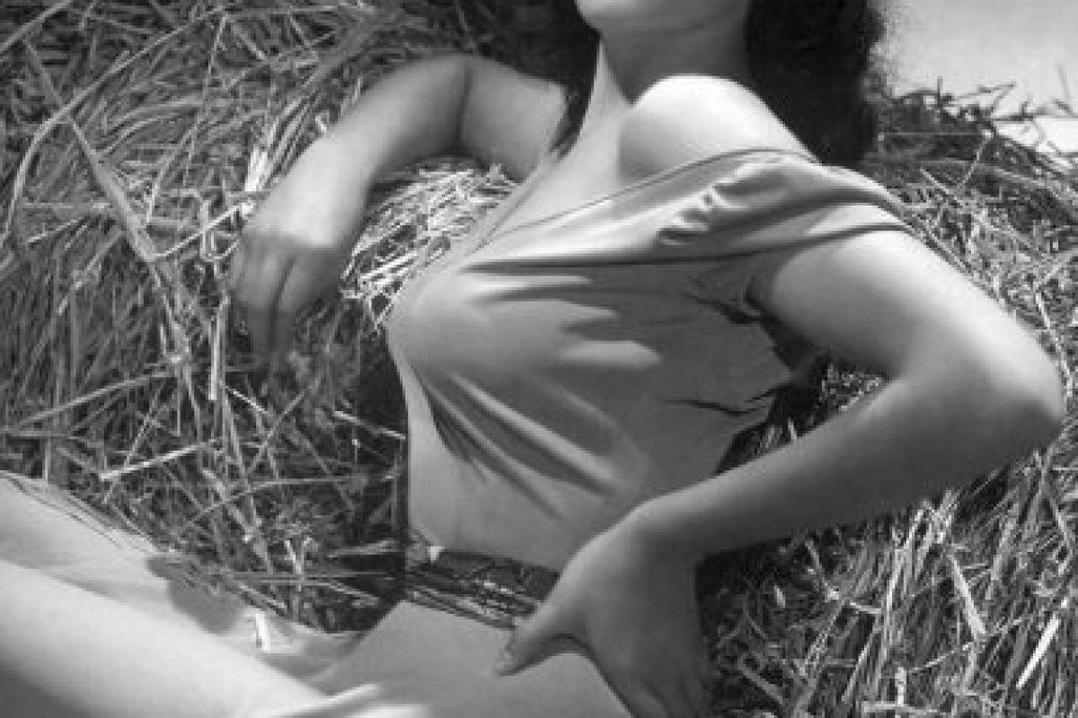 Por sus atributos, fue una de las actrices más populares de los años 40 y 50. Foto:vía Getty Images
