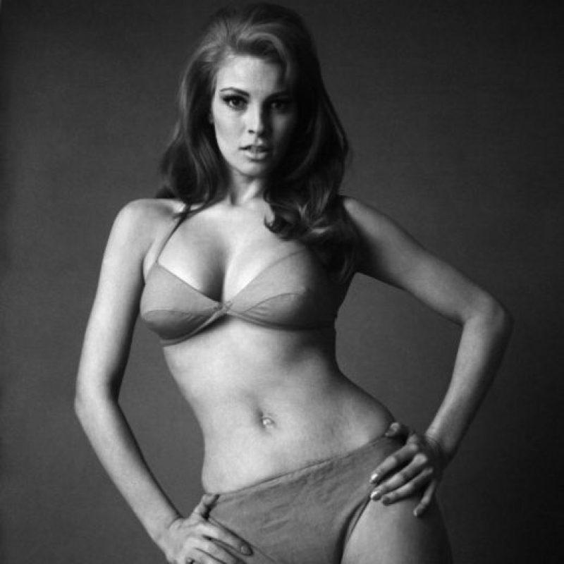 Raquel Welch también se hizo famosa por su figura escultural. Foto:vía Getty Images