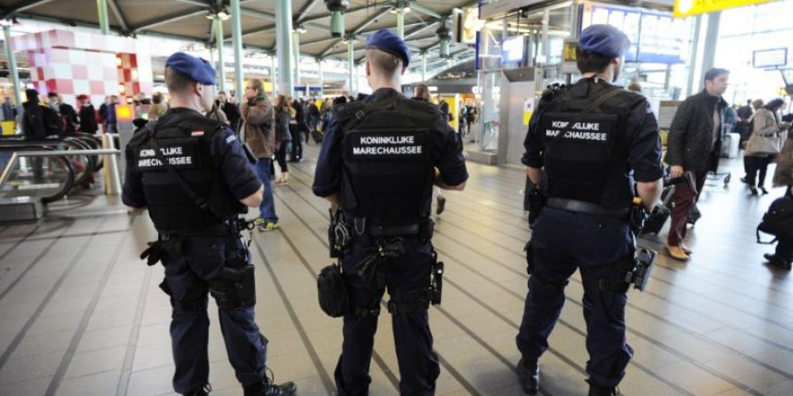 Dos ataques distintos en la región de Bruselas han causado al menos una treintena de muertos y más de 100 heridos. Foto:AFP