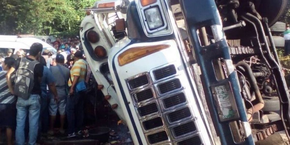 Presidente Morales lamenta accidente donde perdieron la vida siete personas
