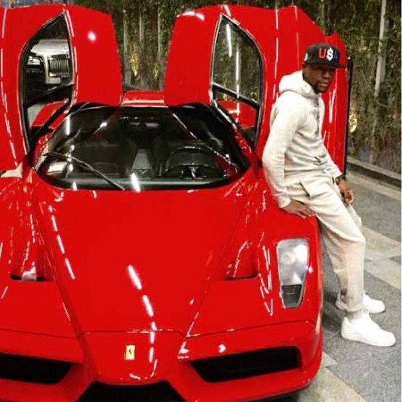 Es un coleccionista de automóviles último modelo Foto:Vía instagram.com/floydmayweather