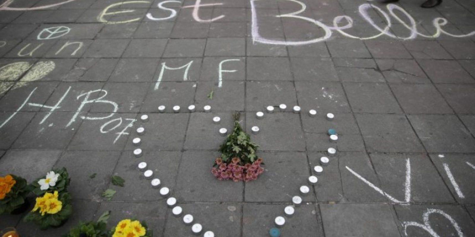 Hay miles de homenajes en las calles Foto:AFP