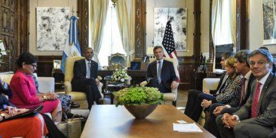 En su primer día en Argentina el mandatario estadounidense se reunió con el presidente argentino Mauricio Macri. Foto:AFP