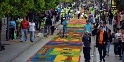 Regresa la hazaña de elaborar la alfombra más larga del mundo
