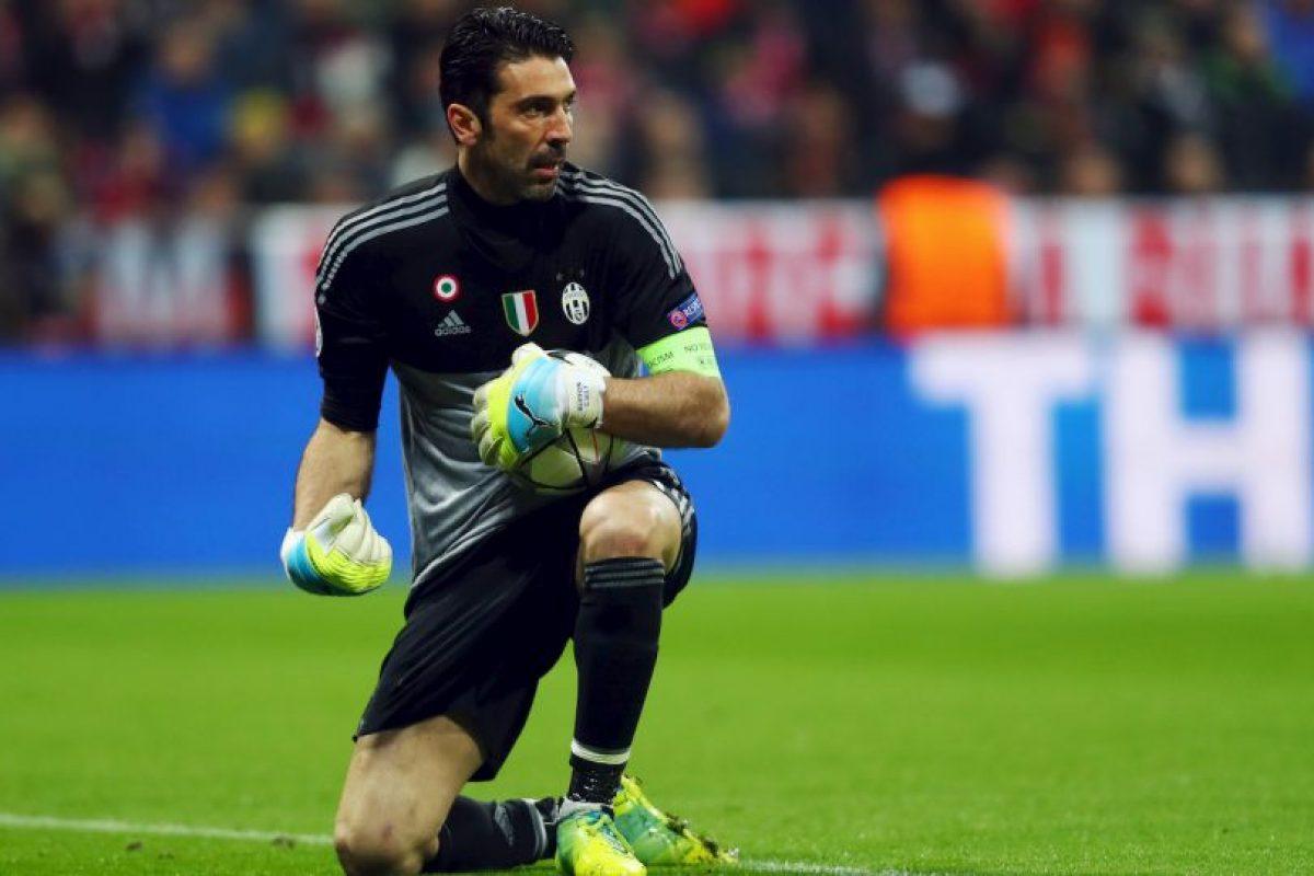 Mano a mano se medirán dos de los mejores porteros de los últimos tiempos: Gianluigi Buffon Foto:Getty Images