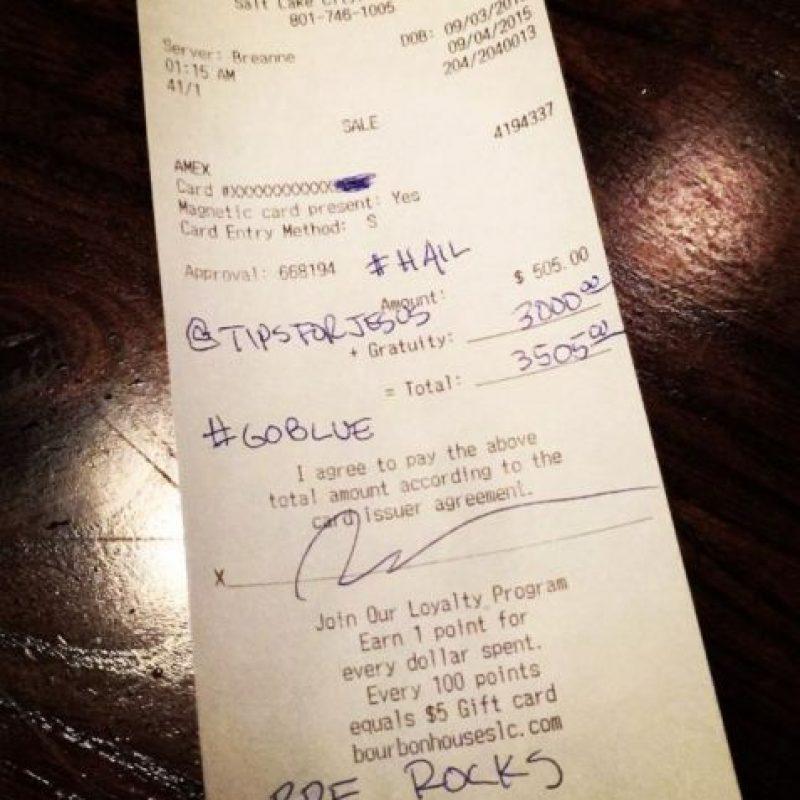 Desde 2013 @Tipsforjesus se ha encargado de dejar propinas de miles de dólares a quien lo atiende. Foto:Vía Instagram/TipsForJesus