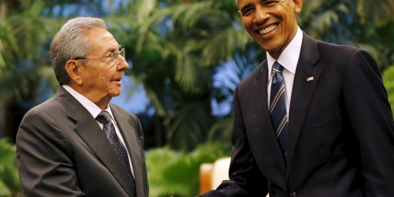 En el Palacio de la Revolución, Castro y Obama se dieron un apretón de manos histórico. Foto:AP