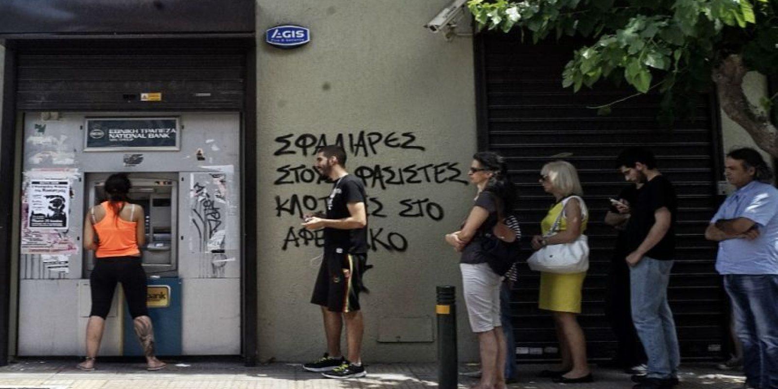 De preferencia localicen cajeros con mayor afluencia de gente. Foto:Getty Images