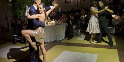 """A la """"aventura"""" también se unieron Michelle Obama y José Lagunes Foto:AP"""